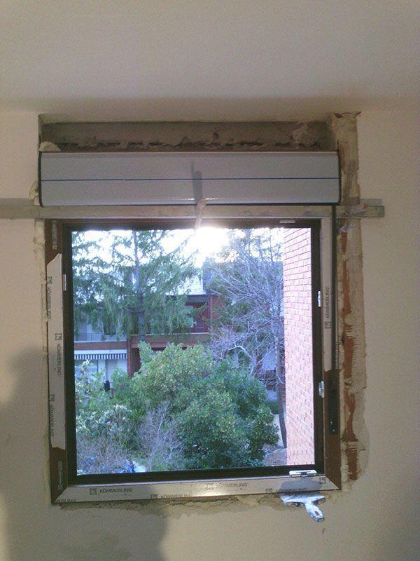 ventana abisagrada